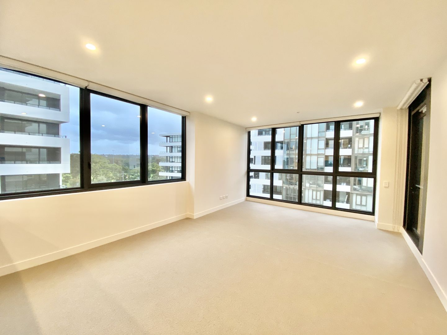 402/471 Captain Cook Drive, Woolooware NSW 2230, Image 1