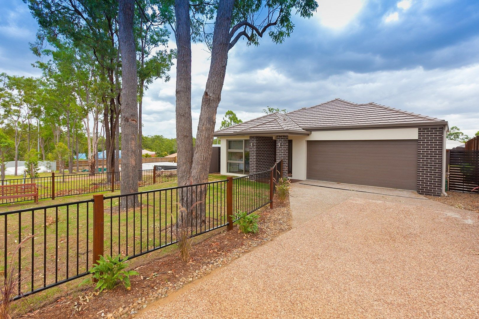 8 Rise Place, Heathwood QLD 4110, Image 0
