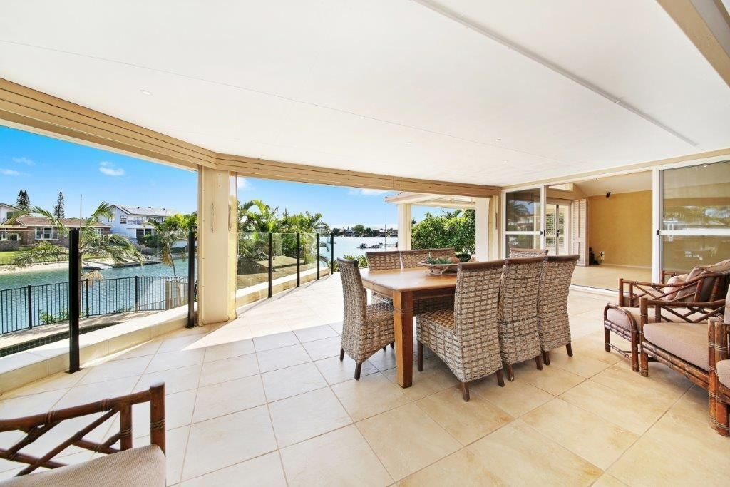 2 Caithness Court, Sorrento QLD 4217, Image 2