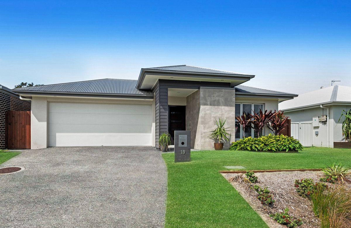 19 Moss Crescent, Caloundra West QLD 4551, Image 0