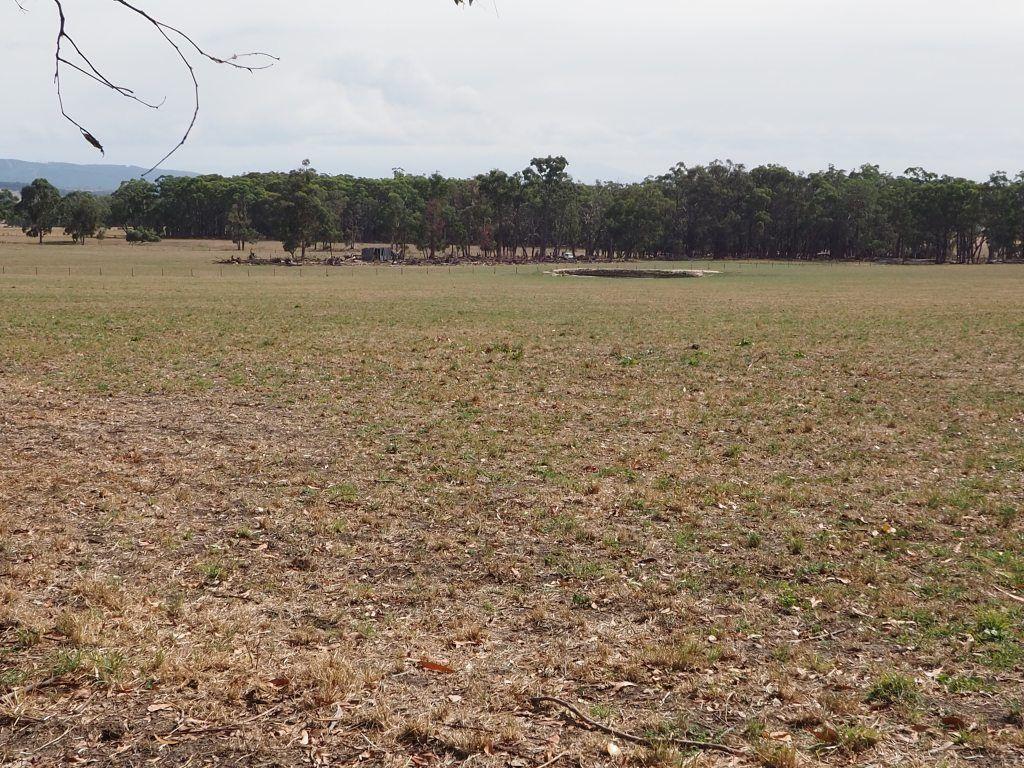 1 Whitelaws Track, Yinnar South VIC 3869, Image 2