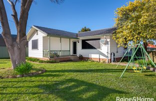 Picture of 14 Chifley Crescent, Kooringal NSW 2650