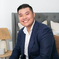 Aaron Lih, Sales representative