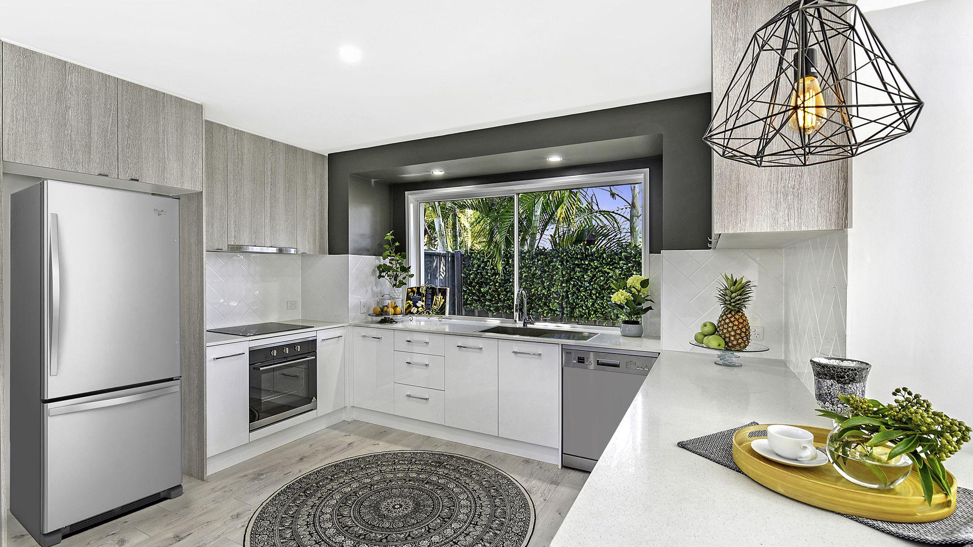 17 Wyndham Avenue, Southport QLD 4215, Image 2