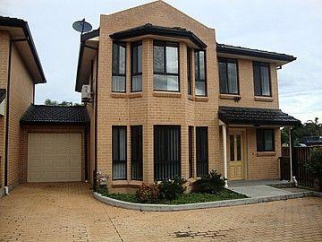 2/40 Ingham Drive, Casula NSW 2170, Image 0