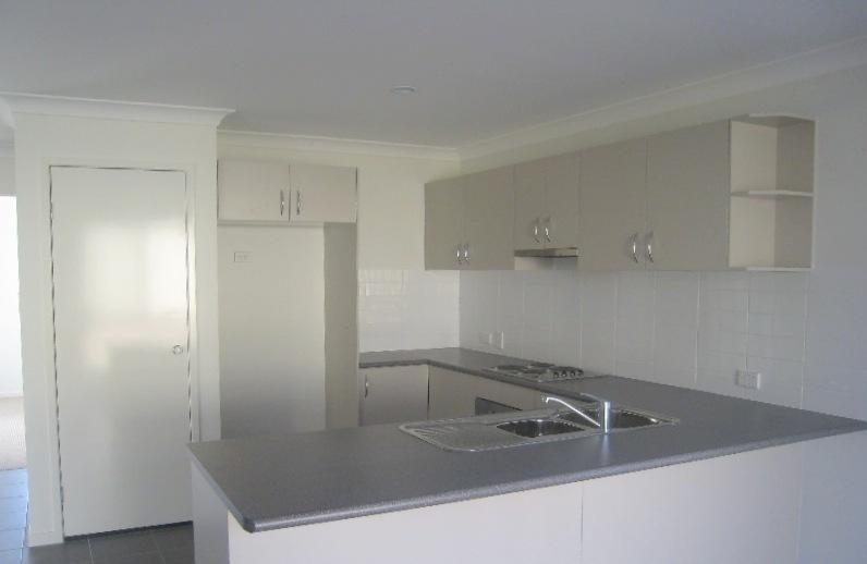 81 High St, Blackstone QLD 4304, Image 1