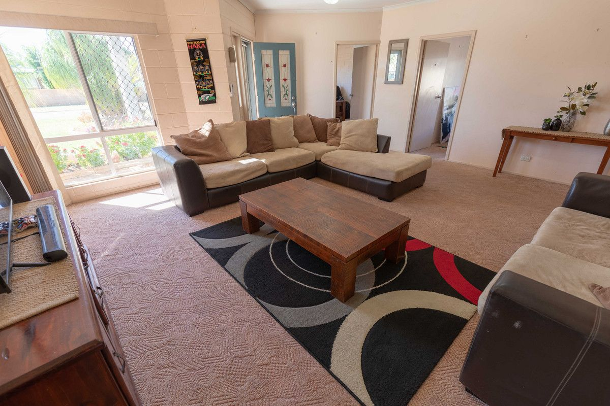 14 Angela Boulevard, Soldiers Hill QLD 4825, Image 2