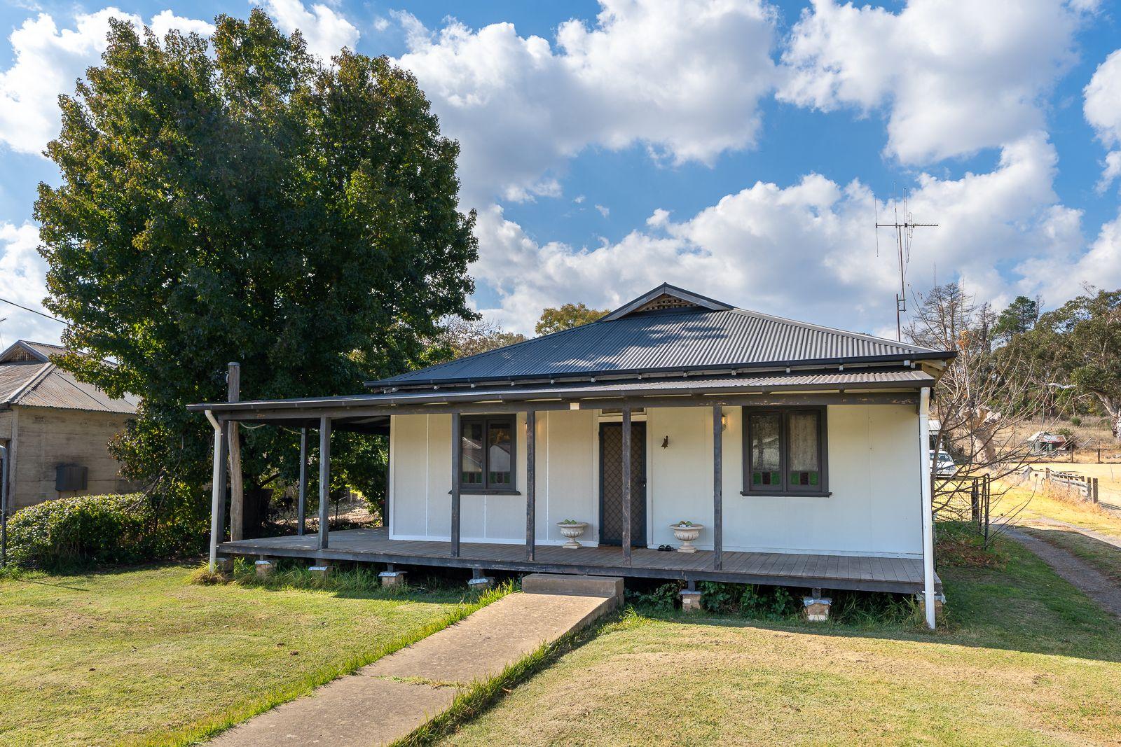 20 Betts  Street, Molong NSW 2866, Image 0