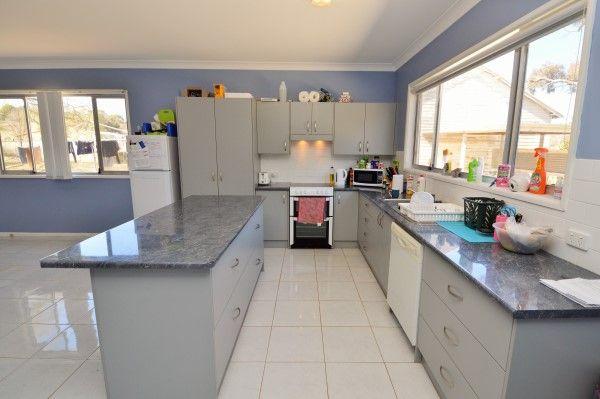 75 Prisk Street, Guyra NSW 2365, Image 2