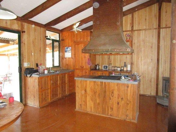 304 ROCKY CRESCENT, Weranga QLD 4405, Image 2