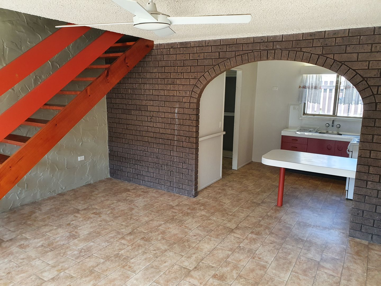 34 Keswick Avenue, Slade Point QLD 4740, Image 2