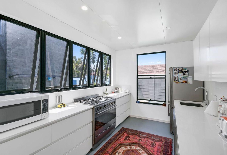 2/52 Stevens Street, Southport QLD 4215, Image 1