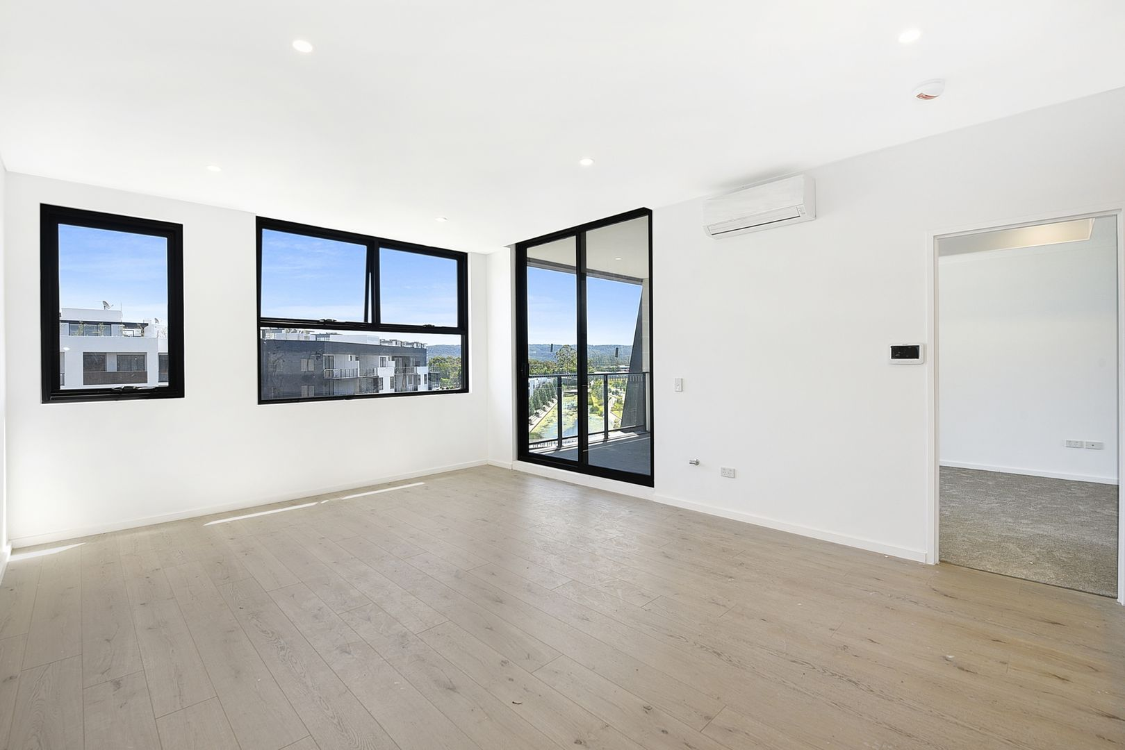 504/60 Lord Sheffield Circuit, Penrith NSW 2750, Image 2