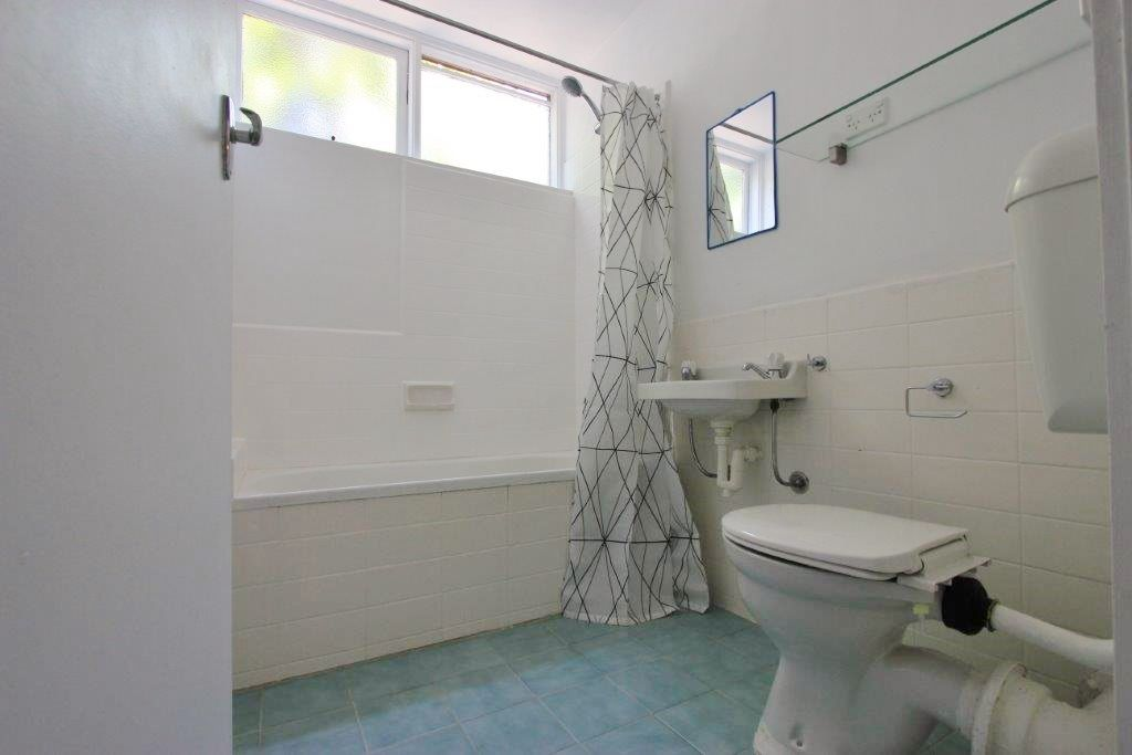 2/3 Gordon Street, Footscray VIC 3011, Image 2