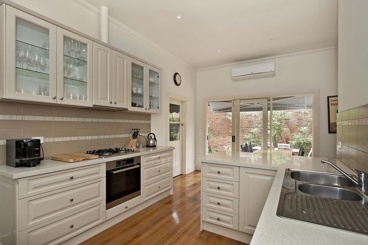 8 Benson Street, Surrey Hills VIC 3127, Image 2