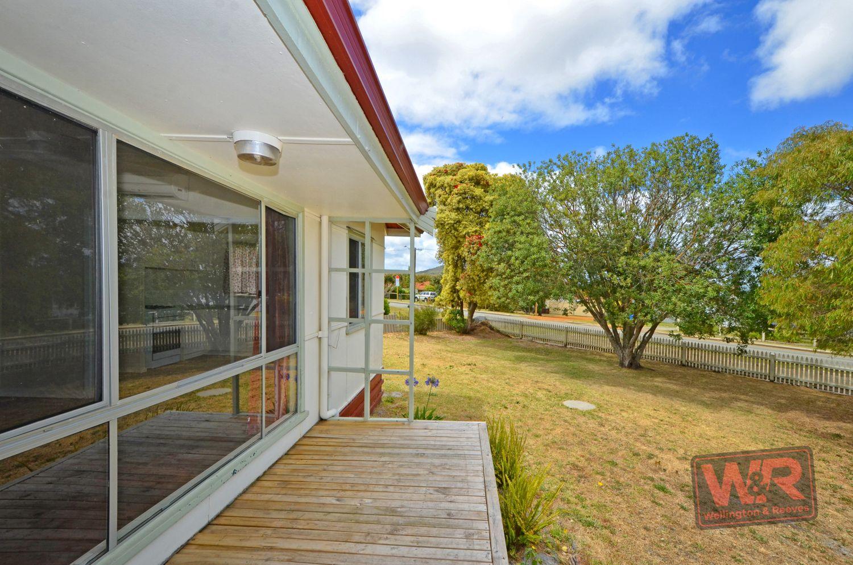 16 Townsend Street, Lockyer WA 6330, Image 2