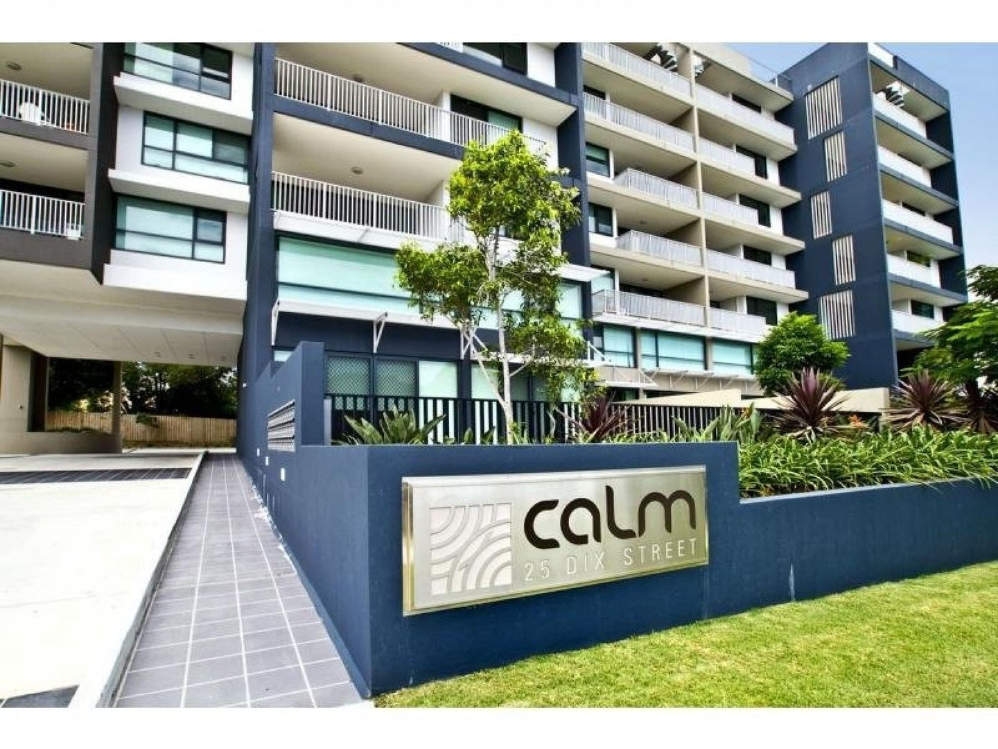 25 Dix Street, Redcliffe QLD 4020, Image 2