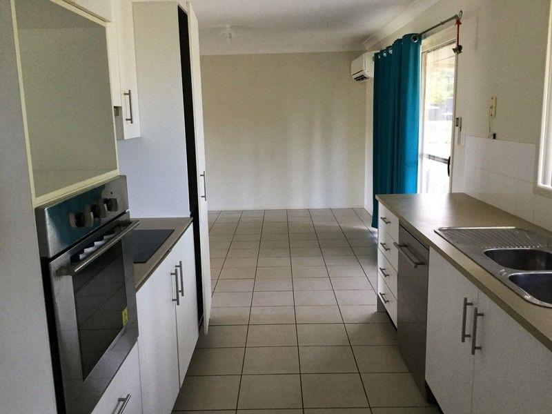 22 Cockatoo Drive, Adare QLD 4343, Image 2