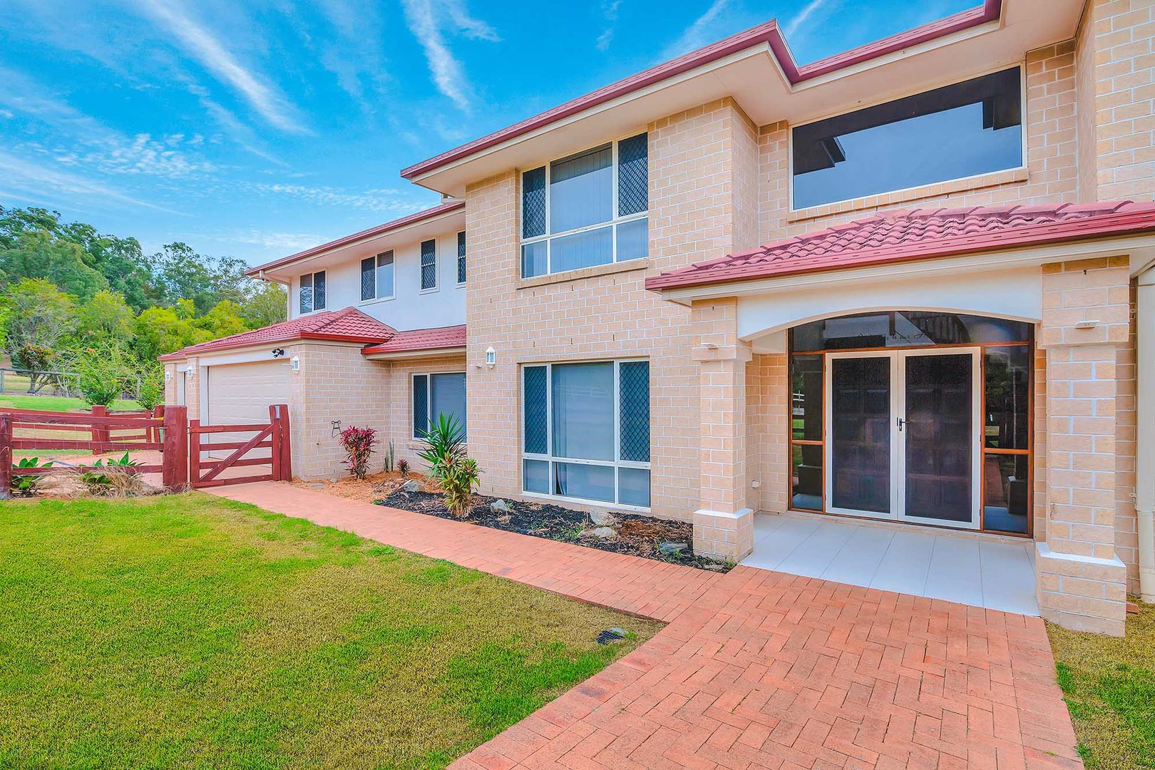 2 Crystal Creek, Willow Vale QLD 4209, Image 0