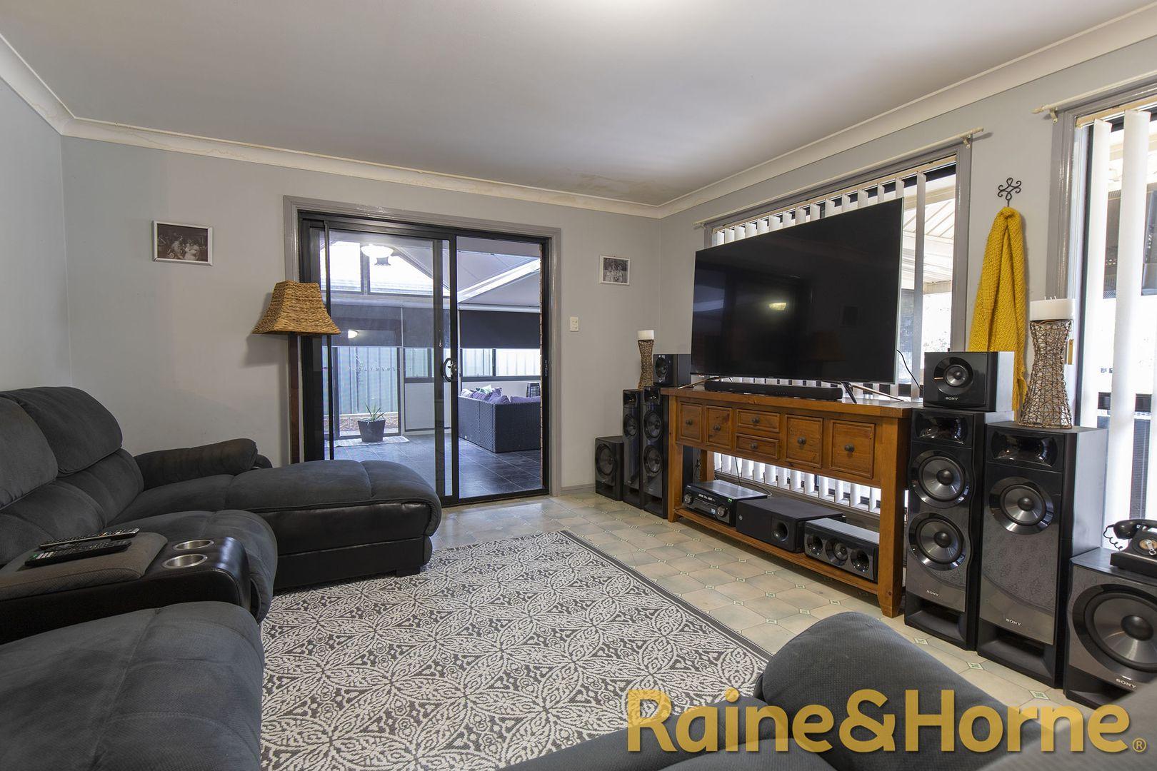 4 Pinehurst Avenue, Dubbo NSW 2830, Image 1