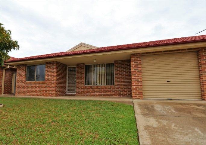 3/90 Parkes St, Temora NSW 2666, Image 0