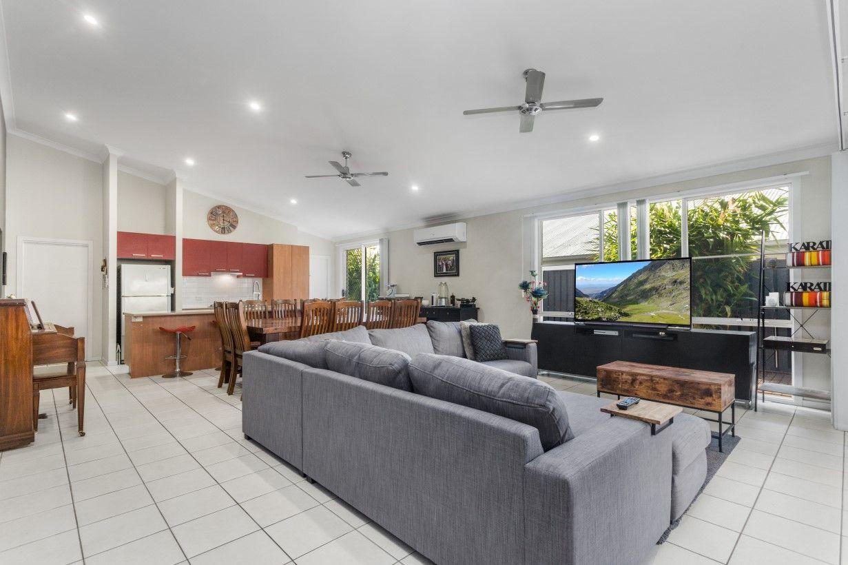 10 Nalbaugh Lane, Parkinson QLD 4115, Image 2