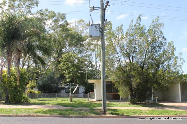 33 Harris Street, Emerald QLD 4720, Image 2