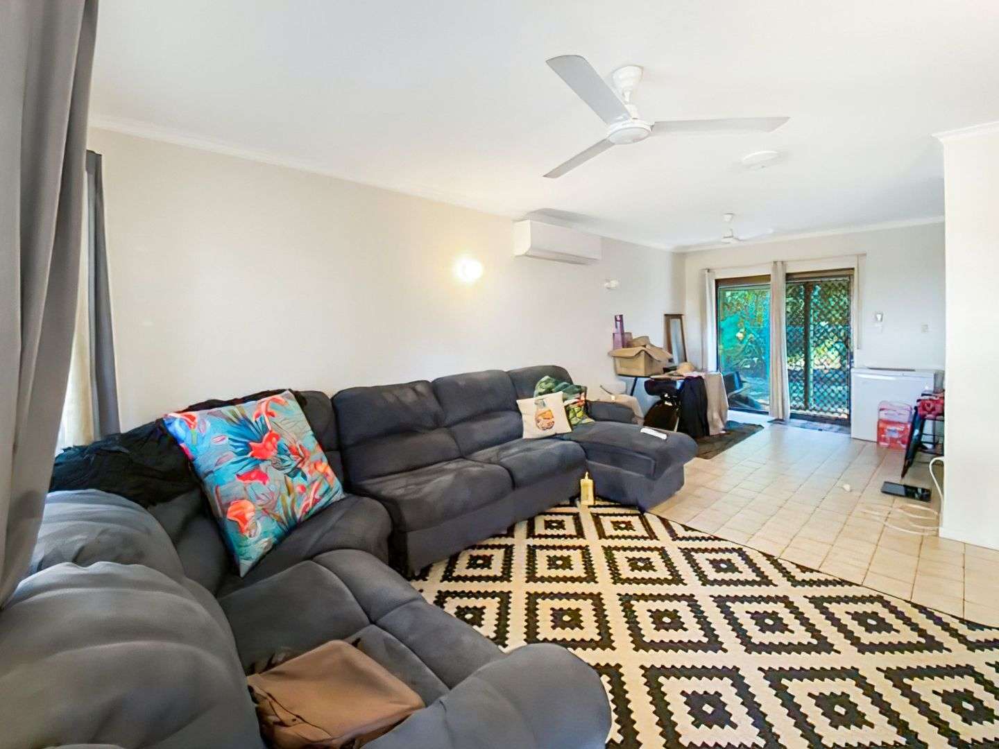2 bedrooms Apartment / Unit / Flat in 4/5 Power Crescent KATHERINE NT, 0850