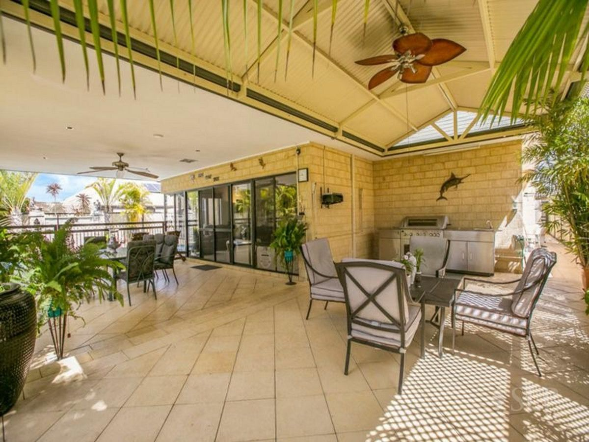 4 Montgomery  Drive, Success WA 6164, Image 0