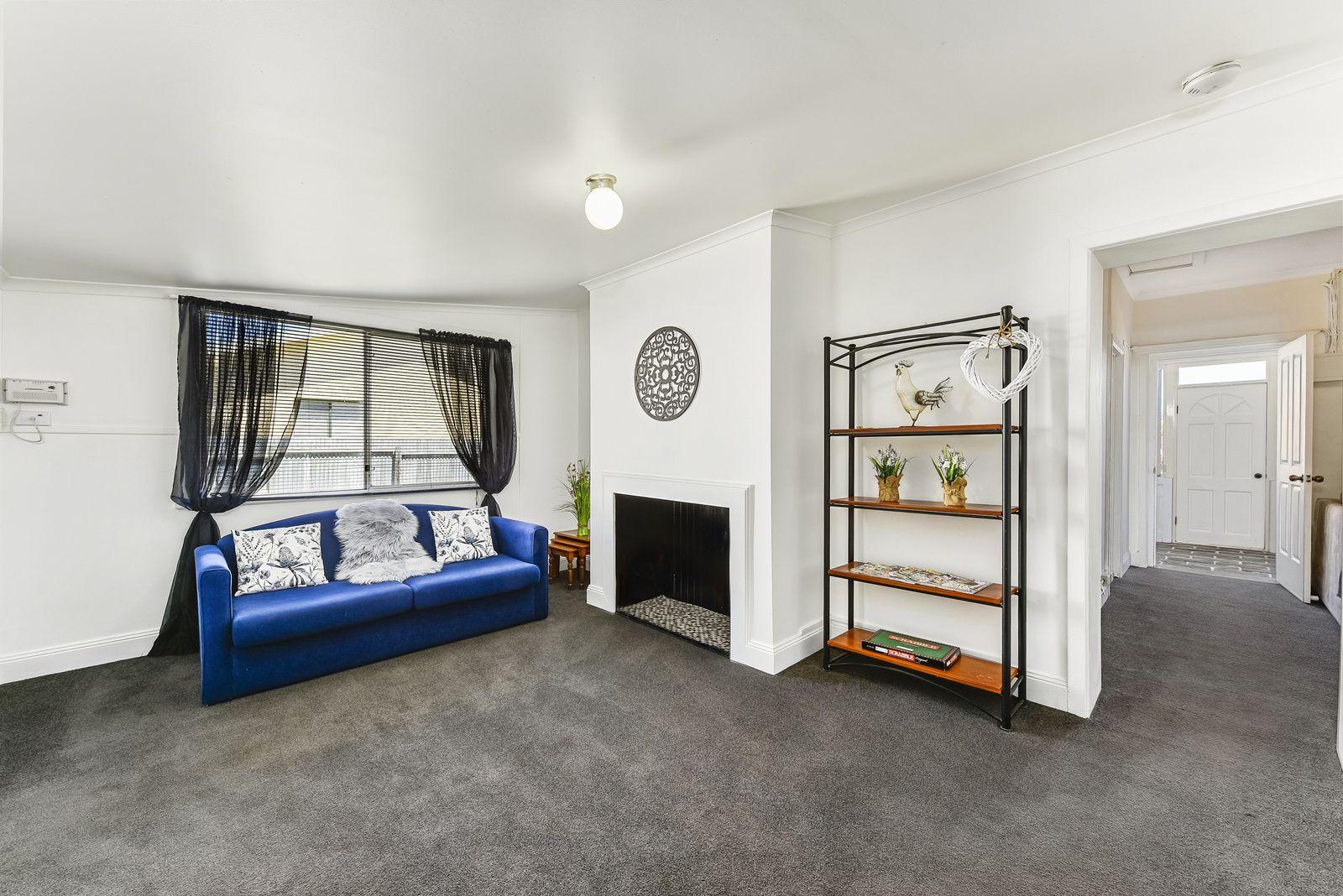 17 Meylin Street, Port Macdonnell SA 5291, Image 2