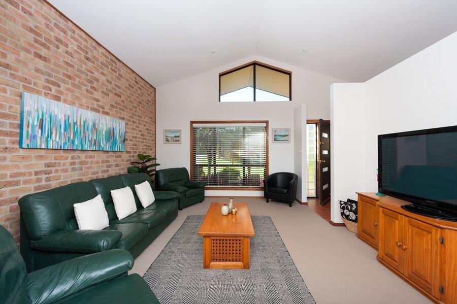 204 Matron Porter Drive, Mollymook Beach NSW 2539, Image 2