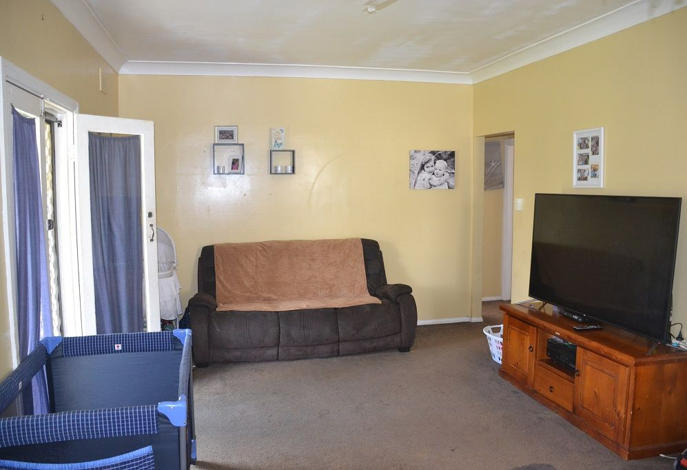 51 Shirley Street, Inverell NSW 2360, Image 2