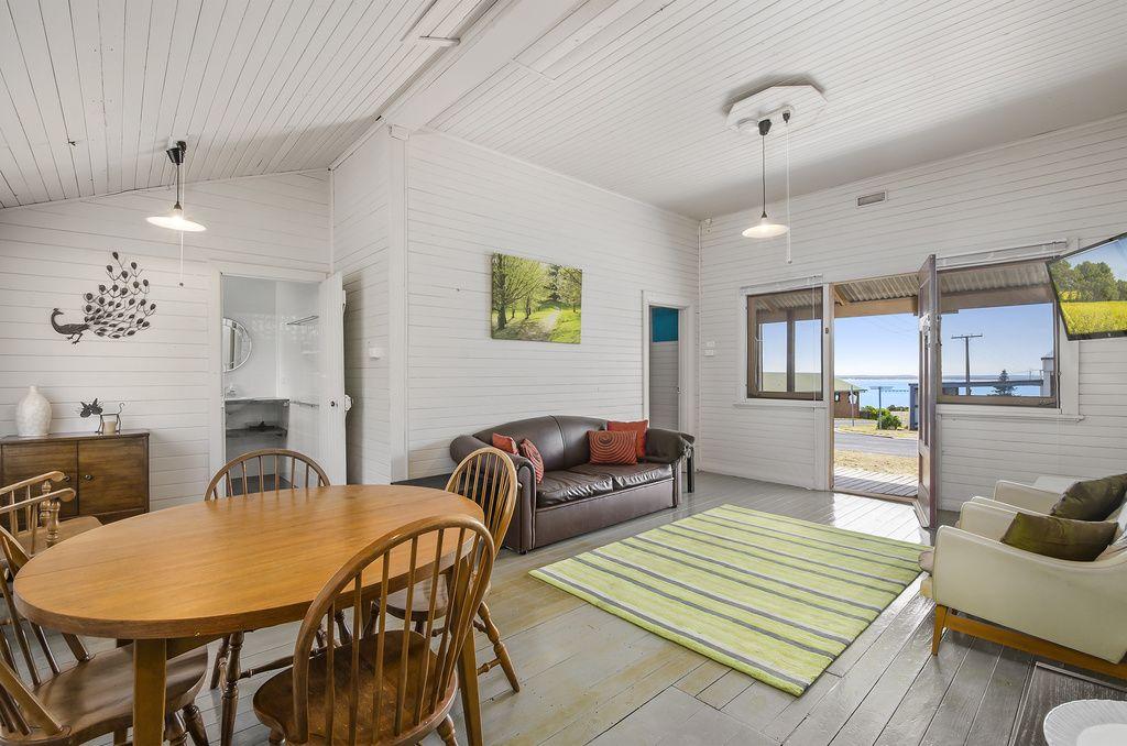 17 McArthur Place, Beachport SA 5280, Image 1