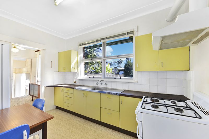 6 Paxton Street, Frenchs Forest NSW 2086, Image 2