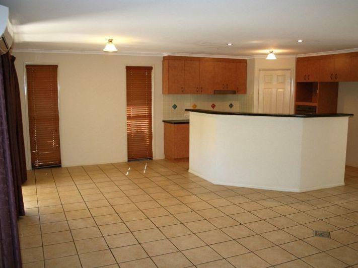 11 Langton Crescent, Oakey QLD 4401, Image 1