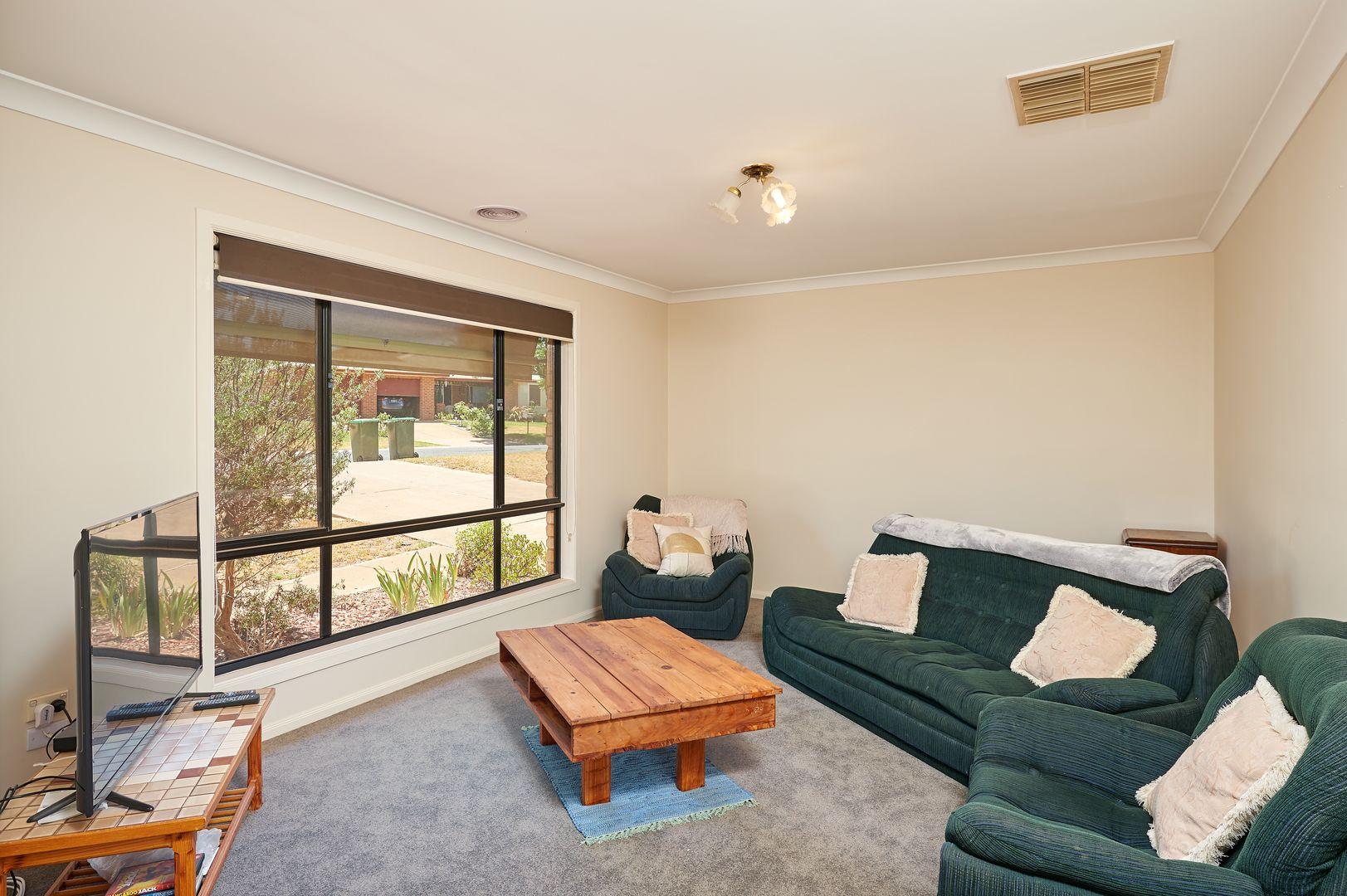 12 Galleon Place, Estella NSW 2650, Image 2