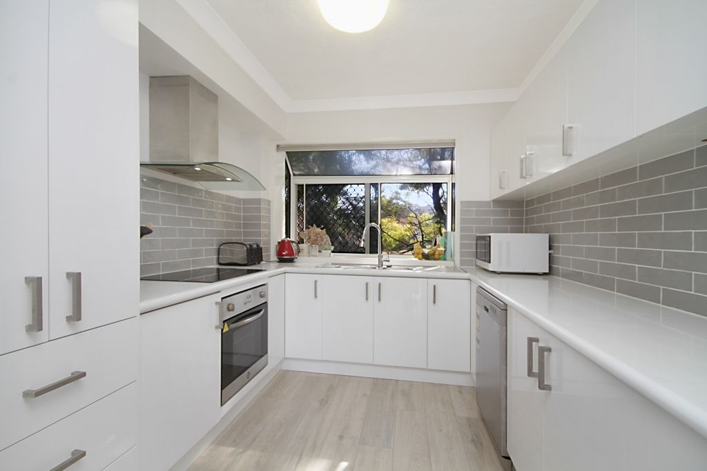 9/54 Dutton St, Coolangatta QLD 4225, Image 2