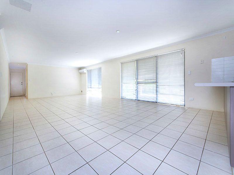 1 Pineroo Terrace, Ellenbrook WA 6069, Image 2