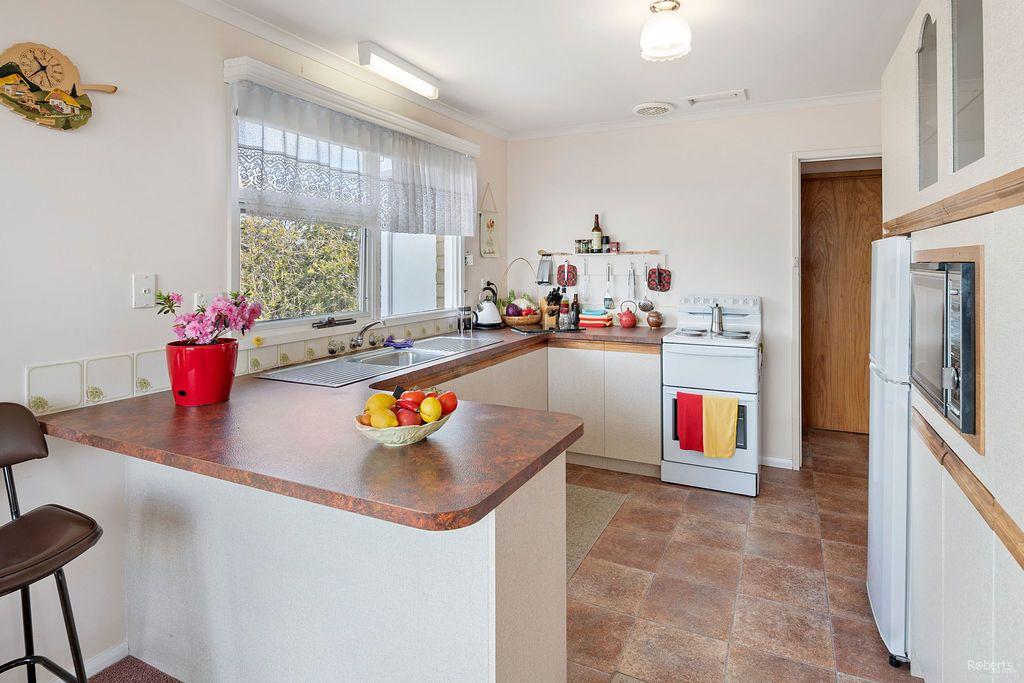 67 Upper Maud Street, West Ulverstone TAS 7315, Image 2