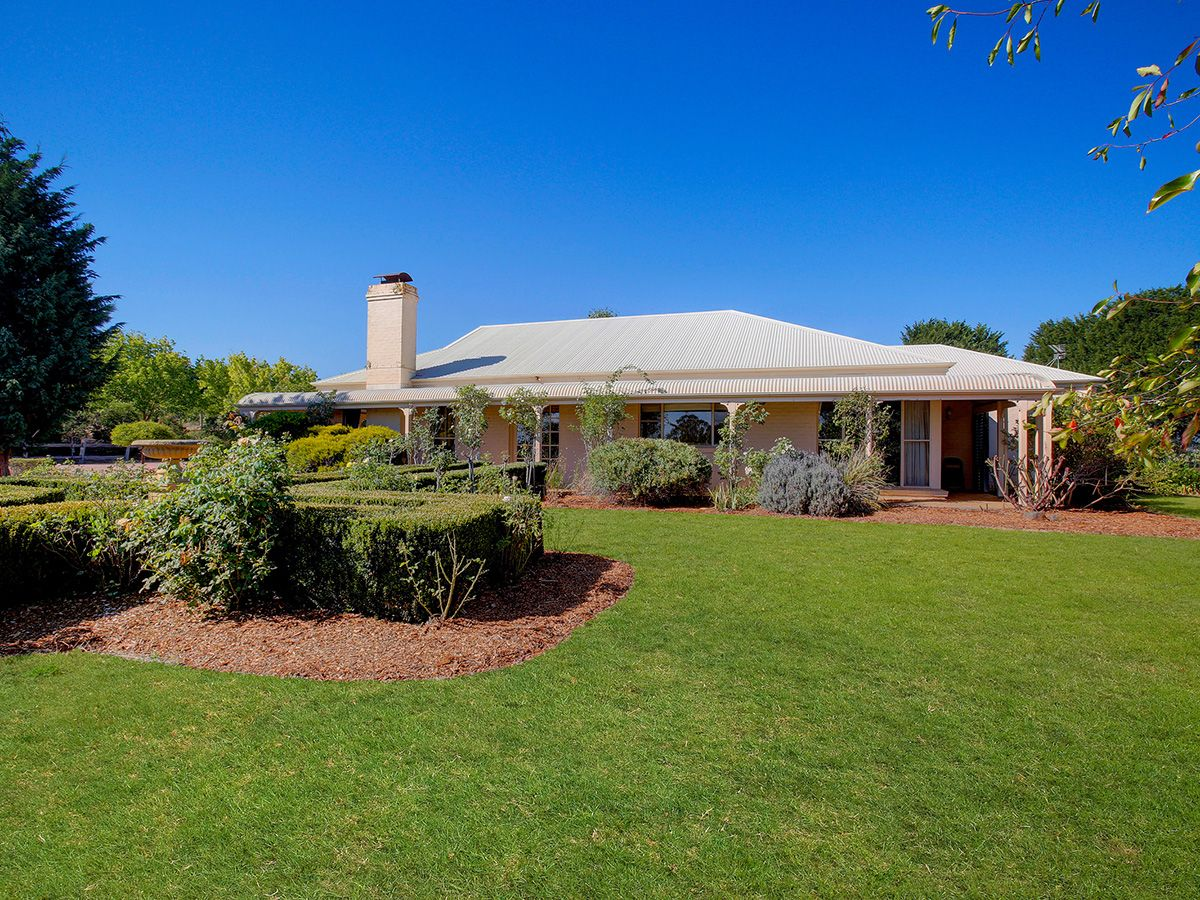 25 Springhill Gr, Sutton Forest NSW 2577, Image 0