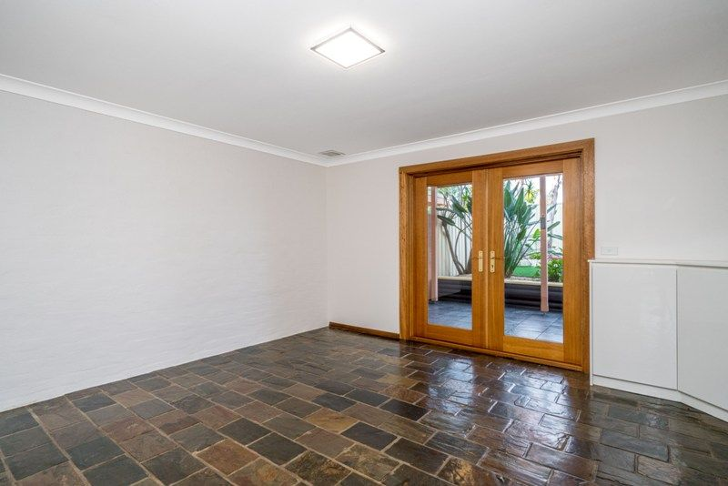 2/94 Epping Forest Drive, Kearns NSW 2558, Image 2