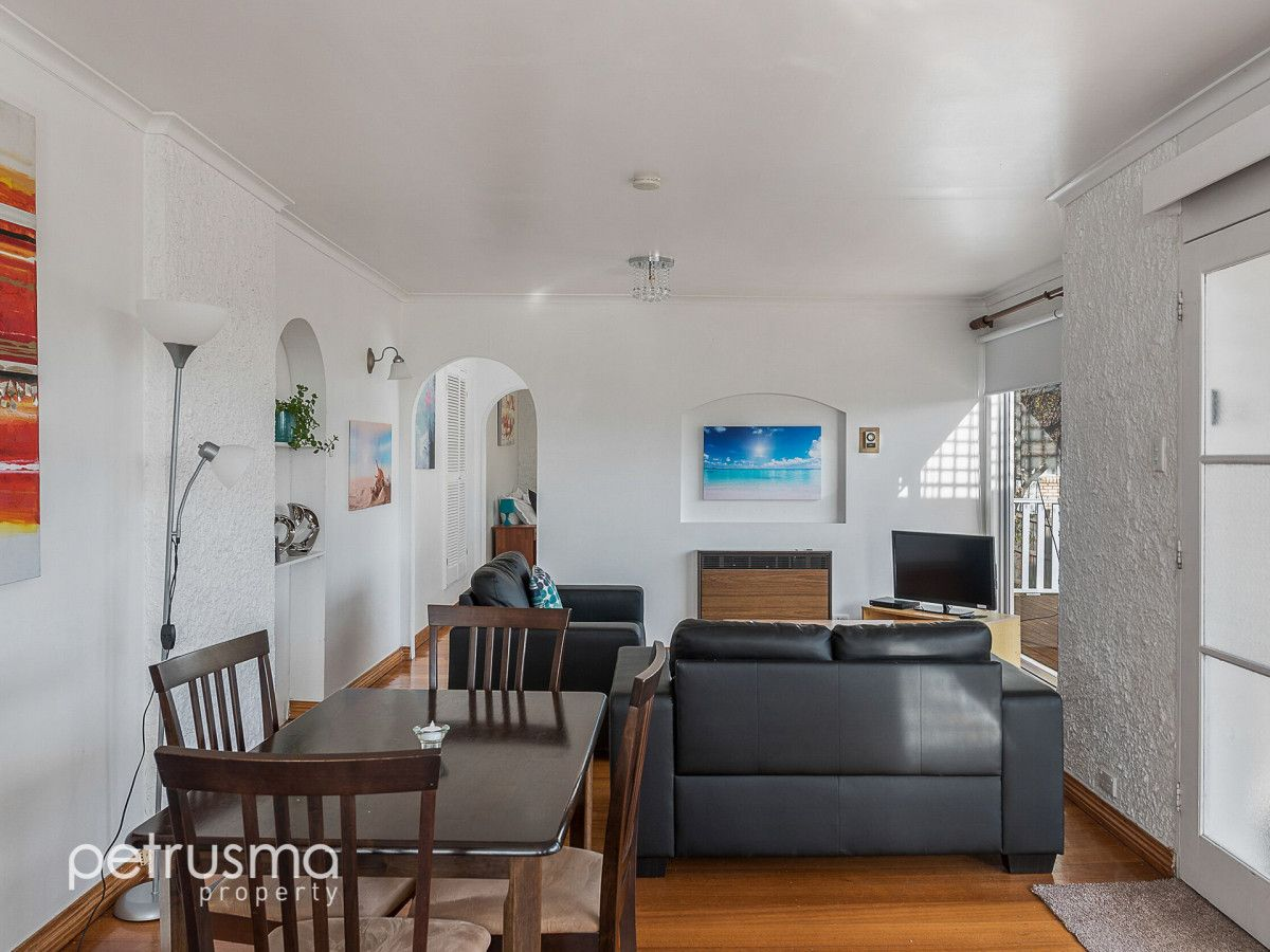 23 Wayne Avenue, Sandy Bay TAS 7005, Image 2