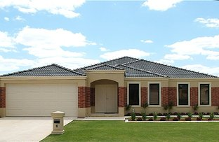 Picture of 6 Salen Lane, Canning Vale WA 6155