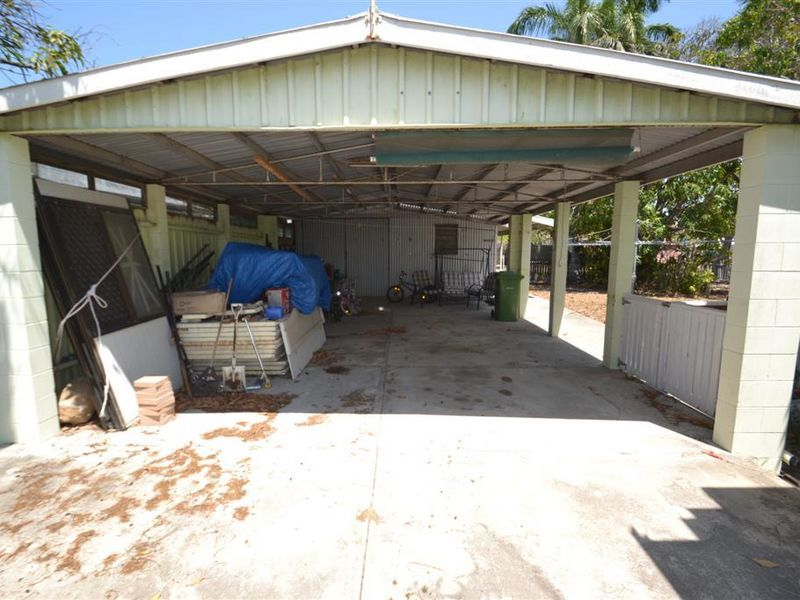 37 Sinclair Street, Bowen QLD 4805, Image 2