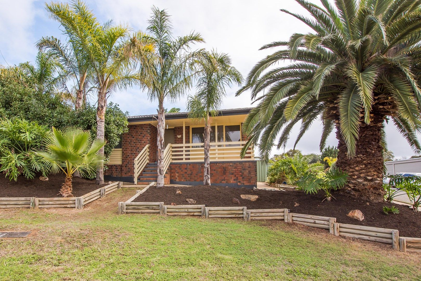 17 Regis Crescent, Christie Downs SA 5164, Image 0