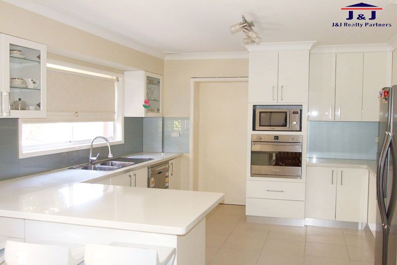 67 Dresden Ave, Castle Hill NSW 2154, Image 2