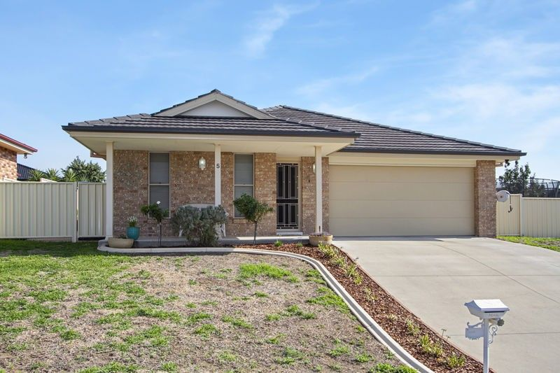 5 Kalinda Place, Tamworth NSW 2340, Image 0