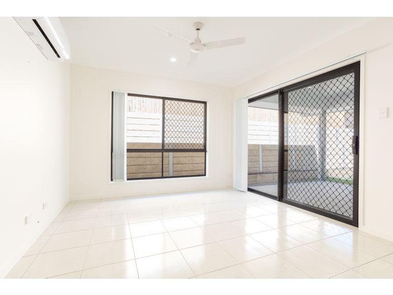 9 Oakwood Street, Pimpama QLD 4209, Image 1