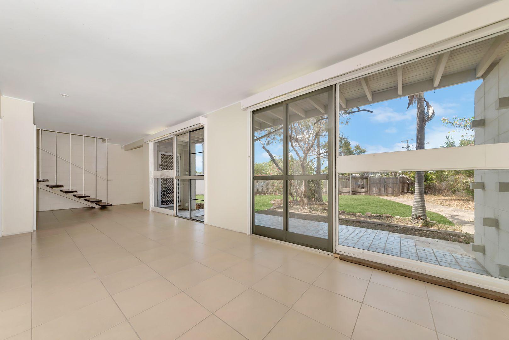 37 Brampton Avenue, Cranbrook QLD 4814, Image 2