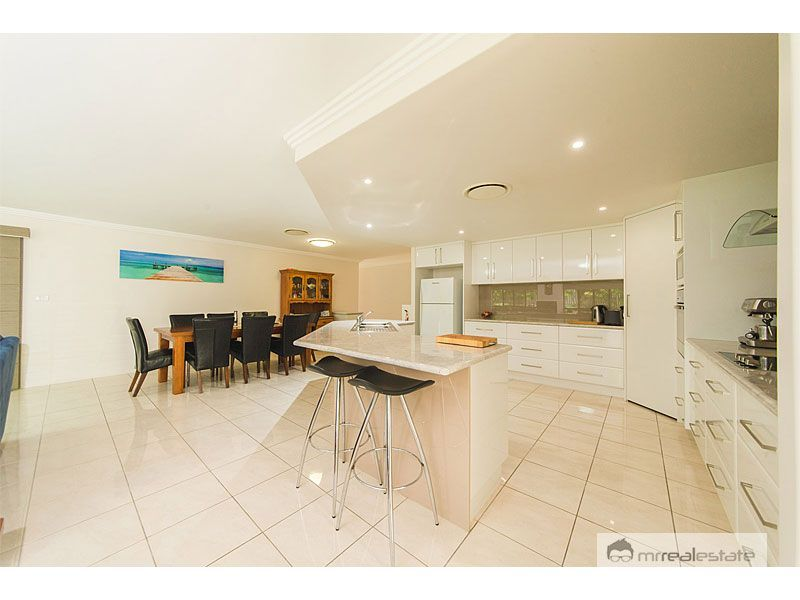 12 Laird Avenue, Norman Gardens QLD 4701, Image 1